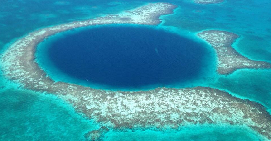 Discover The Great Blue Hole in Belize