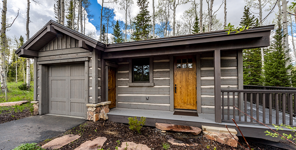 Park City guest house surrounded by trees