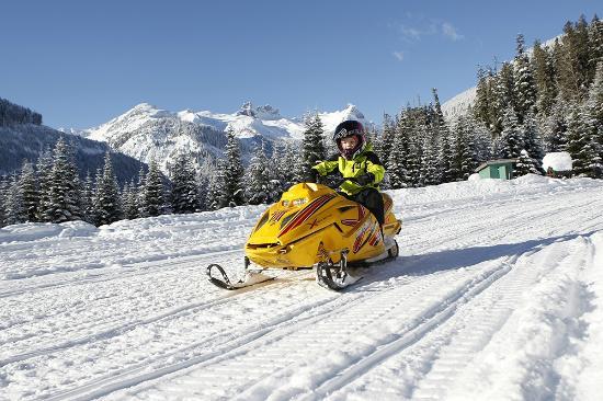 blackcomb-snowmobile