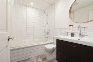 FT08 Master Bathroom