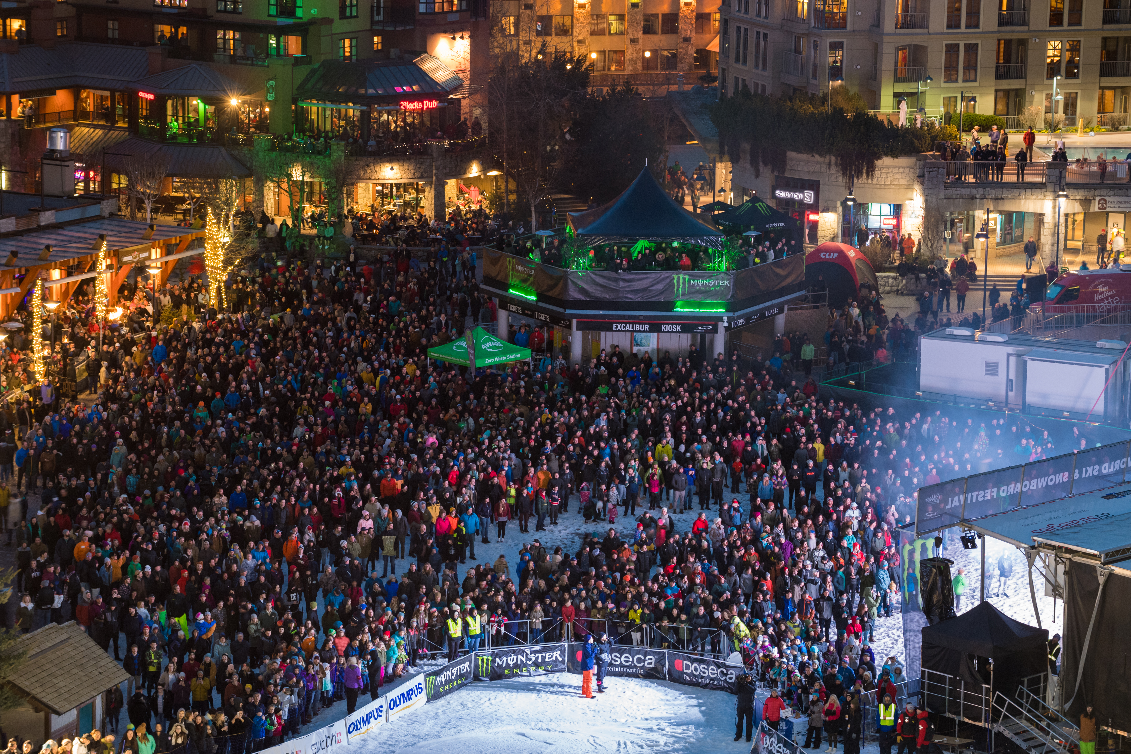 GO ALL OUT AT THE WORLD SKI AND SNOWBOARD FESTIVAL