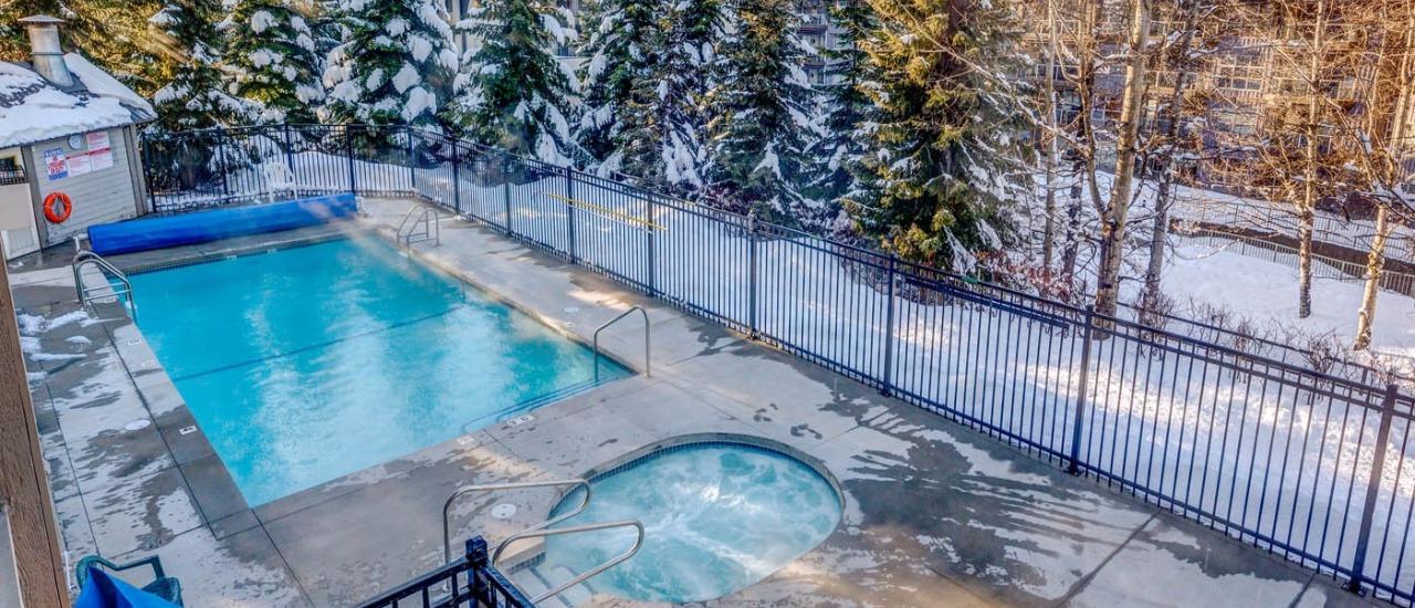 Greystone Lodge Whistler Hot Tub & Pool