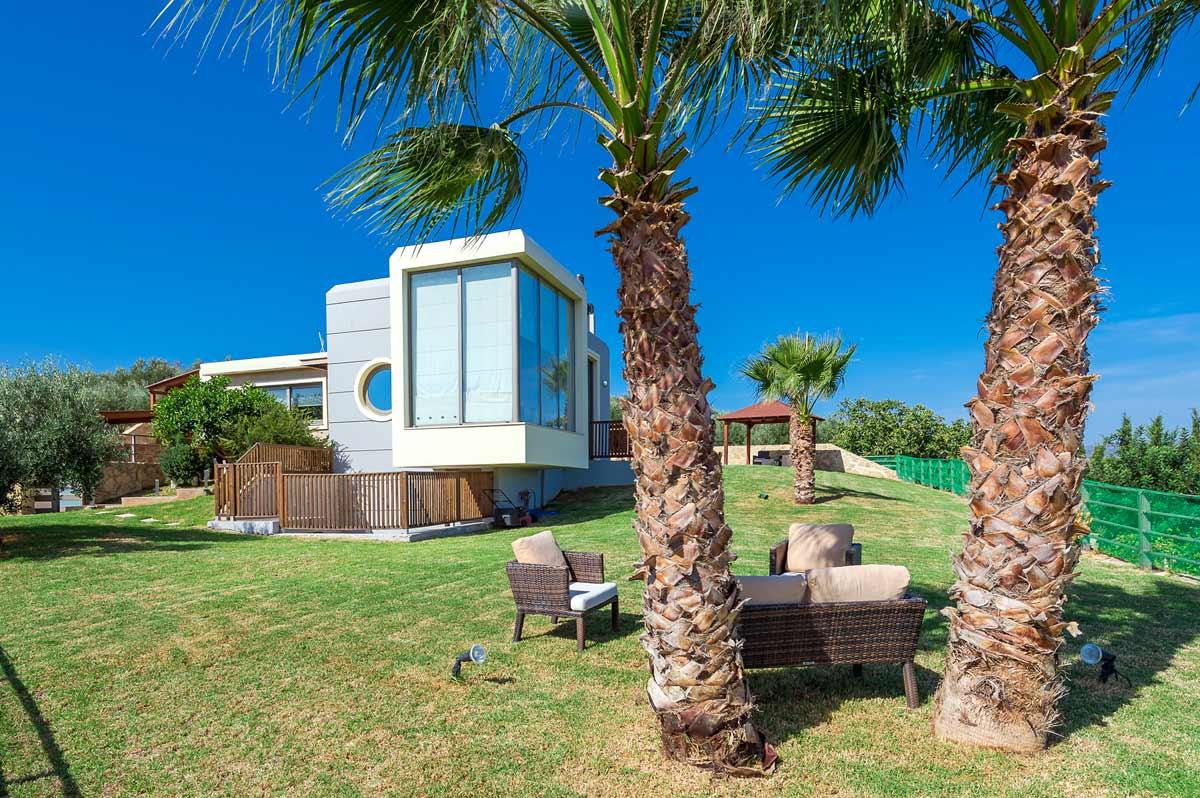 HOME OF THE MONTH: 'PARADISE VILLA', CRETE, GREECE