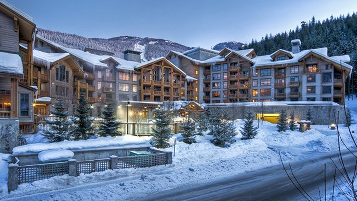 First tracks lodge creekside accommodation whistler mountain for Cabine in whistler