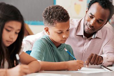 Aprenda a planejar aulas de História alinhadas à BNCC