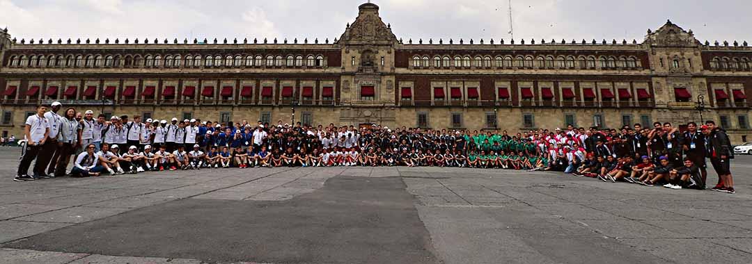 Los Jóvenes de la LIGA MX Internacional se Divirtieron en Tour por la CDMX