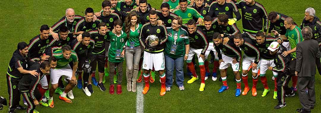 Emotivo Homenaje a Rafael Márquez en el Estadio Azteca