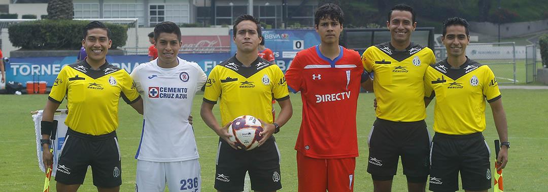 Cruz Azul y la Universidad Católica Dividieron Unidades.