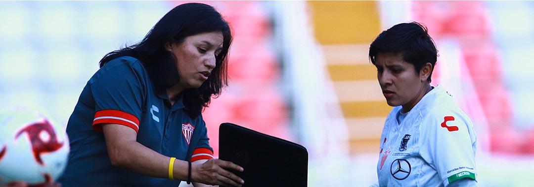 Fabiola Vargas, al Mando Necaxista.