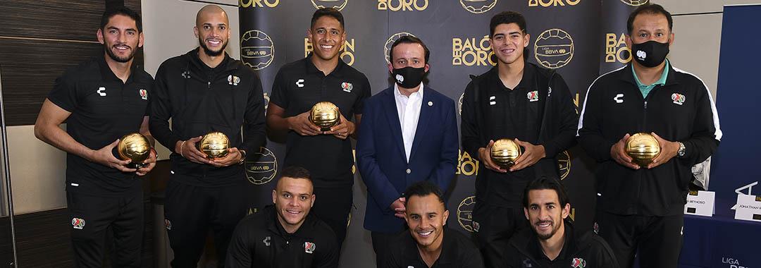 Mikel Arriola Entregó Balones de Oro