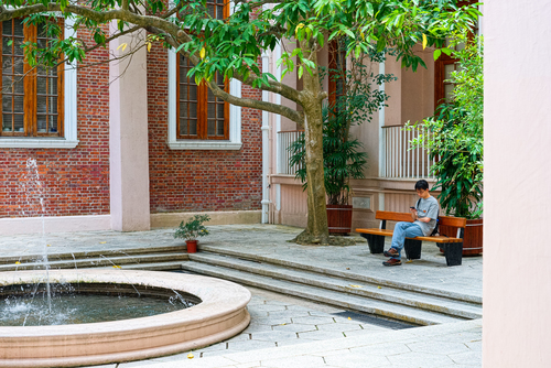 The Main Building @ The University of Hong Kong. 14, 55, a7, otus, distagonotus5514zf. buy photo