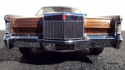 1971 Lincoln Continental Mark III Hardtop - Ginger Bronze Moondust. 1971, continental, lincoln, markiii, 124scale, resincast, automodello. buy photo