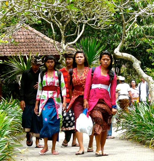 Arrival in the Tirta Empul Temple .. buy photo