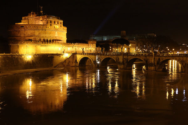 Castel Sant'Angelo - Roma. rome, roma, reflections, river, gold, tevere, riflessi, castelsantangelo, ilobsterit, nightofrome, landscapeofrome. buy photo