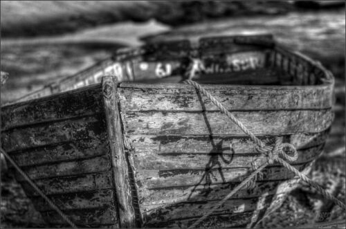 All tied up. shadow, blackandwhite, mono, boat, nikon, marine, rope, knot, nautical, rowingboat, tollesbury, d3100, ommot, ommotimagery, ilobsterit. buy photo
