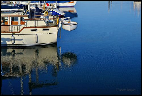Puerto del Tollesbrero, Essex. water, marina, reflections, boats, nikon, lifeboat, ripples, nautical, essex, tollesbury, d3100, ommot, ommotimagery. buy photo