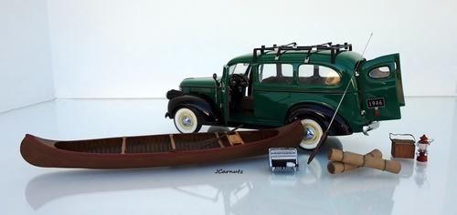 1946 Chevrolet Model 3106  Suburban Carryall. chevrolet, suburban, 1946, diecast, franklinmint, carryall, 124scale. buy photo
