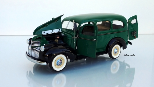 1946 Chevrolet Model 3106  Suburban Carryall. chevrolet, suburban, 1946, diecast, franklinmint, 124scale. buy photo