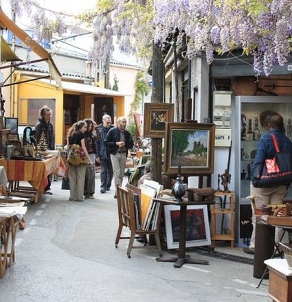 Flea Market Shopping in Paris