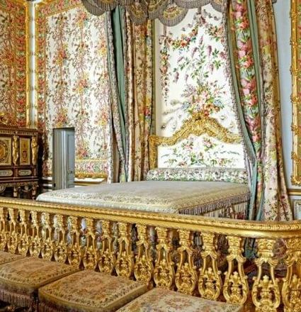 Versailles Palace Travel Guide