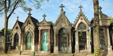 Photo of our Pere Lachaise Cemetery Tour