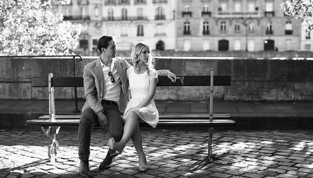 Photo Shoot for honeymooners in Paris