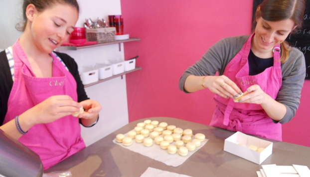 Photo of our Macaron Masterclass in Paris