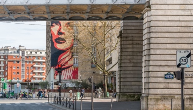 A view on murals in Paris