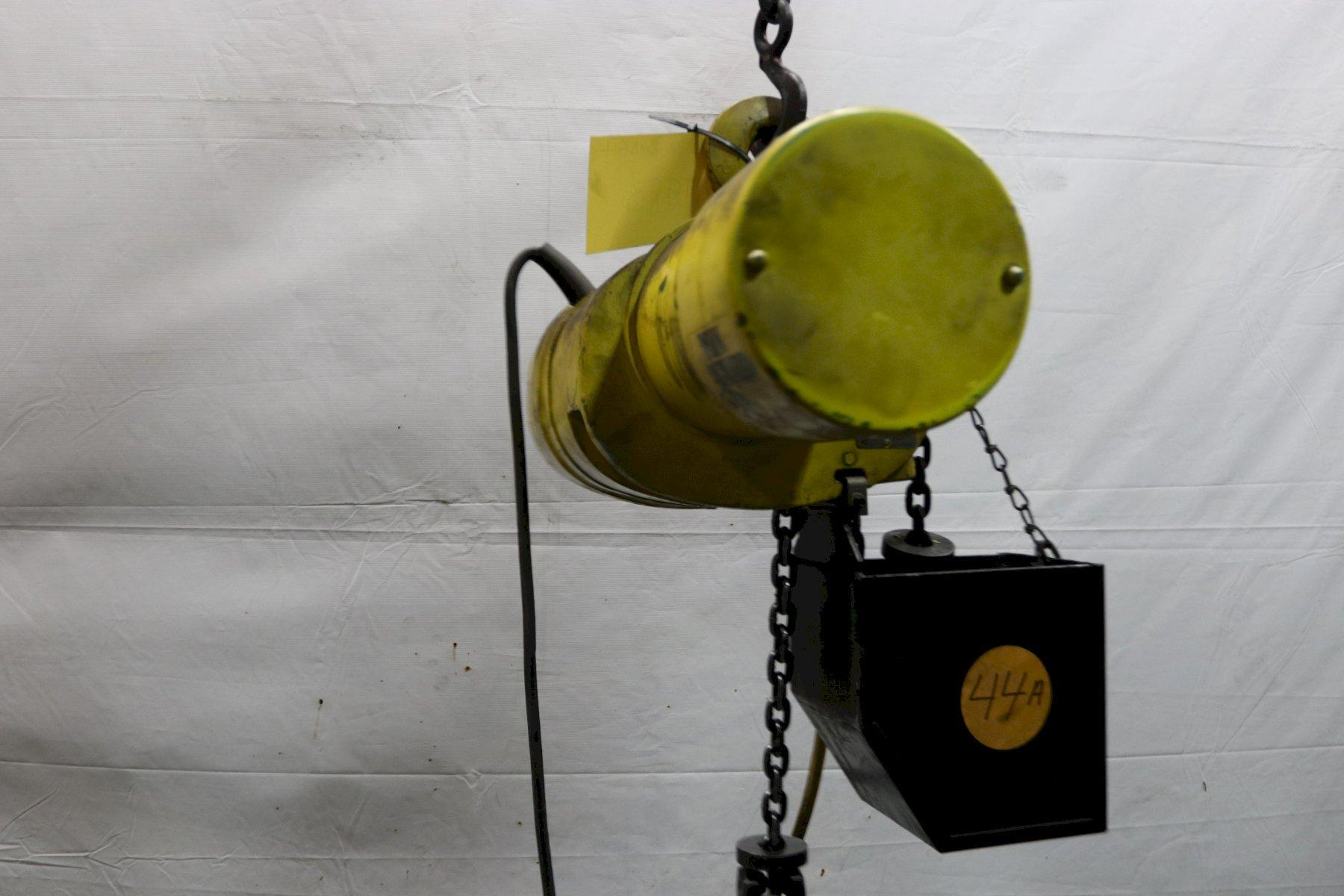 500 LB BUDGIT ELECTRIC POWERED CHAIN HOIST: STOCK #11983