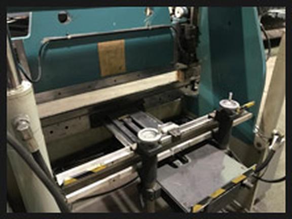 60 Ton Accurpress Hyd Press Brake, 6', Hurco Autobend 7 2-Axis CNC BG