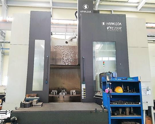 """78"""" Hankook VTC-200W, 98""""Swg, Ram w/ATC, 12T Tbl Cap, Milling, F 32i-A CNC, '10, #30227"""
