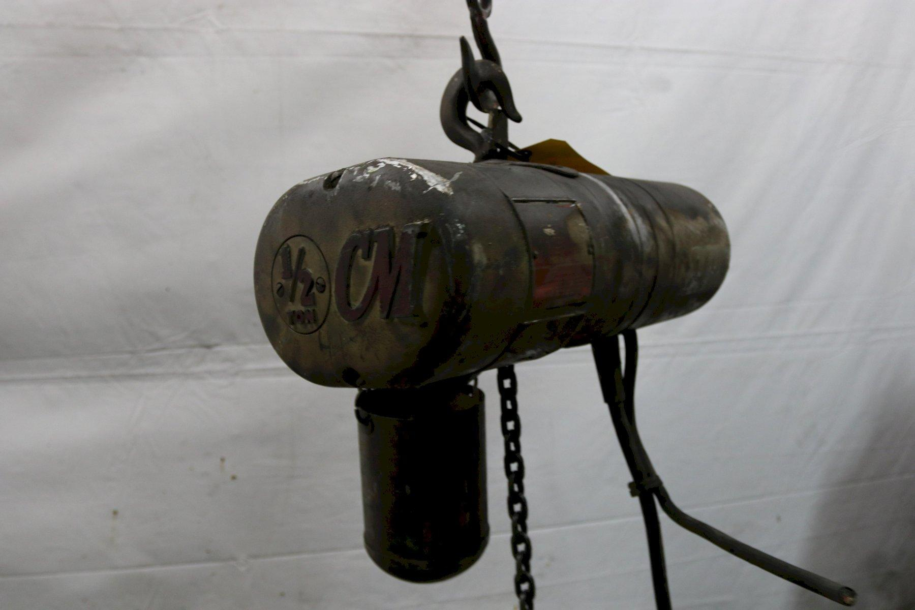 1/2 TON CM LOADSTAR ELECTRIC POWERED CHAIN HOIST: STOCK #12002