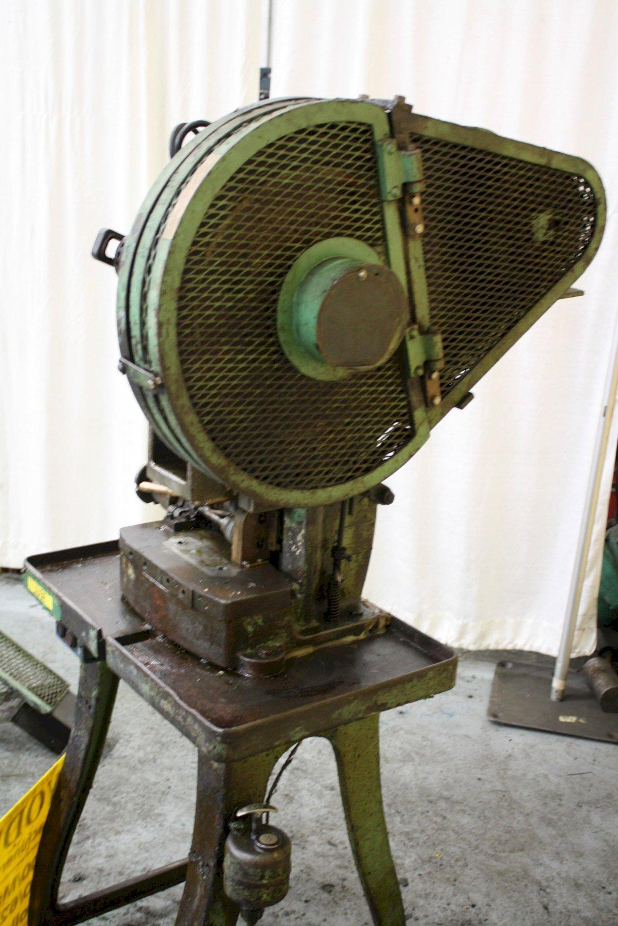 2/1 ON V & O DOUBLE ACTION BLANK & CUP PRESS: STOCK #66684