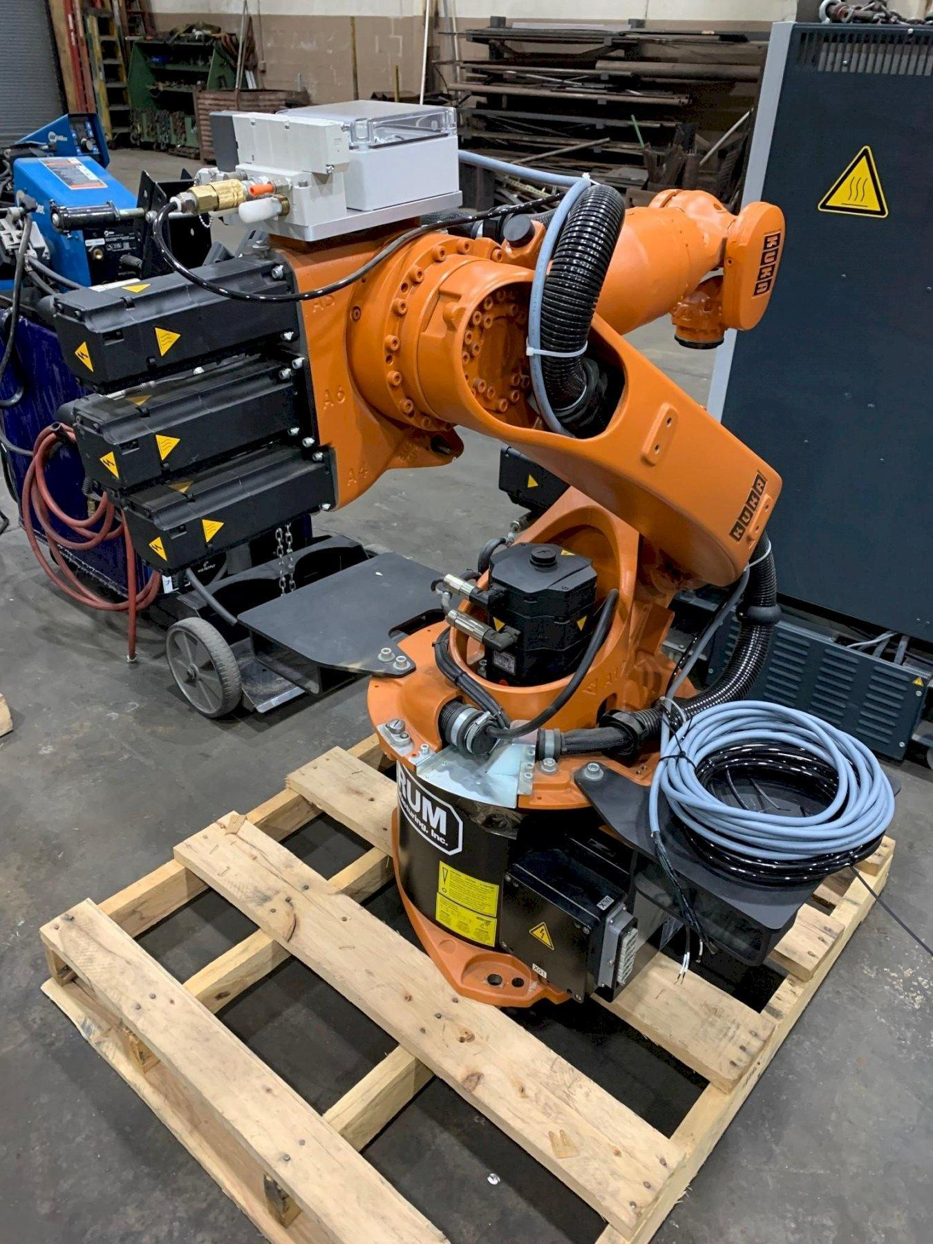 USED KUKA 6-AXIS ROBOTIC WELDING SYSTEM MODEL KR-16 W/KR C2 CONTROLLER, Stk# 10870, Year: 2009