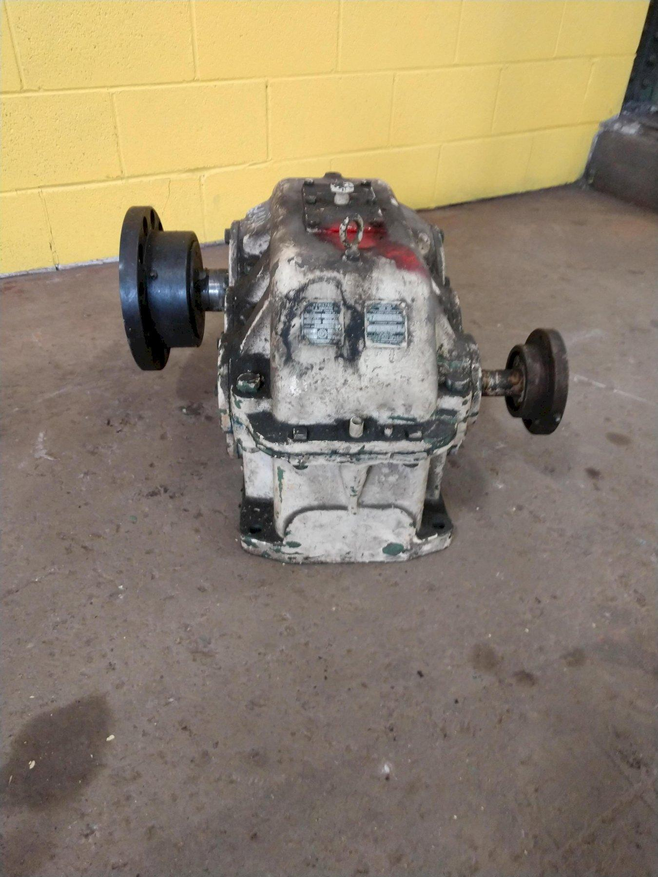 10 HP HAMILTON GEAR & MACHINE REDUCING GEAR BOX: STOCK #10828