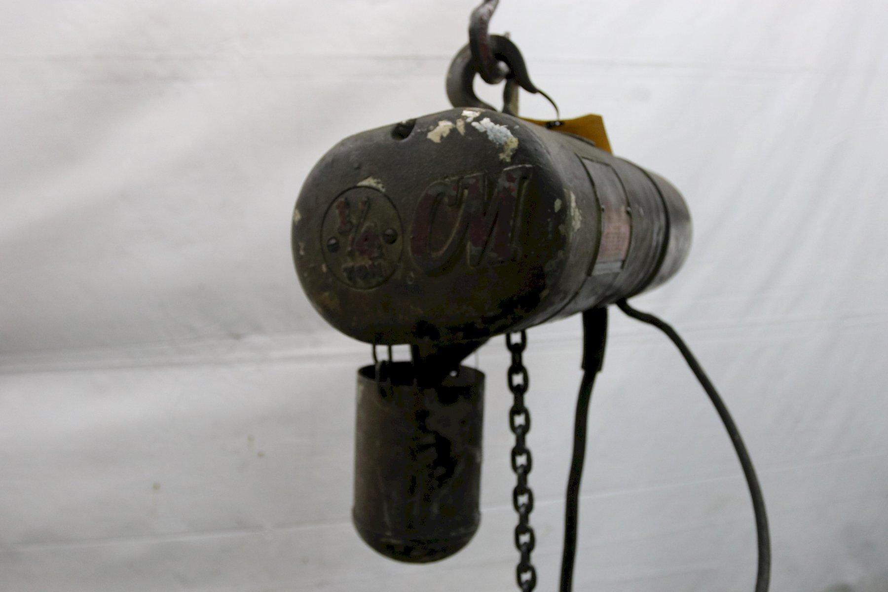1/4 TON CM LOADSTAR ELECTRIC POWERED CHAIN HOIST: STOCK #12006