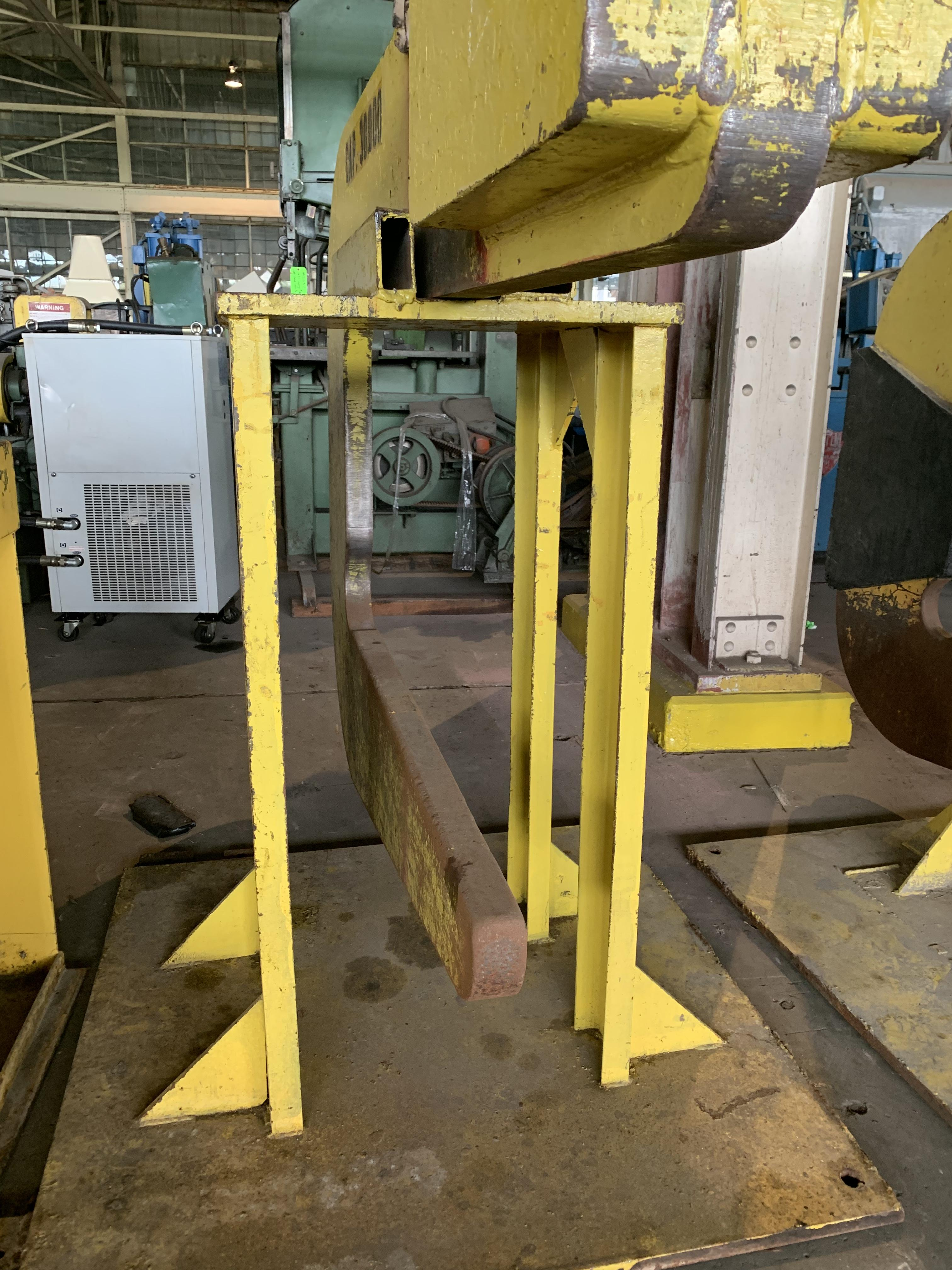 """30,000 LB X 72"""" PRO-ECO COIL LIFTING """"C"""" HOOK WITH STAND: STOCK #10598"""