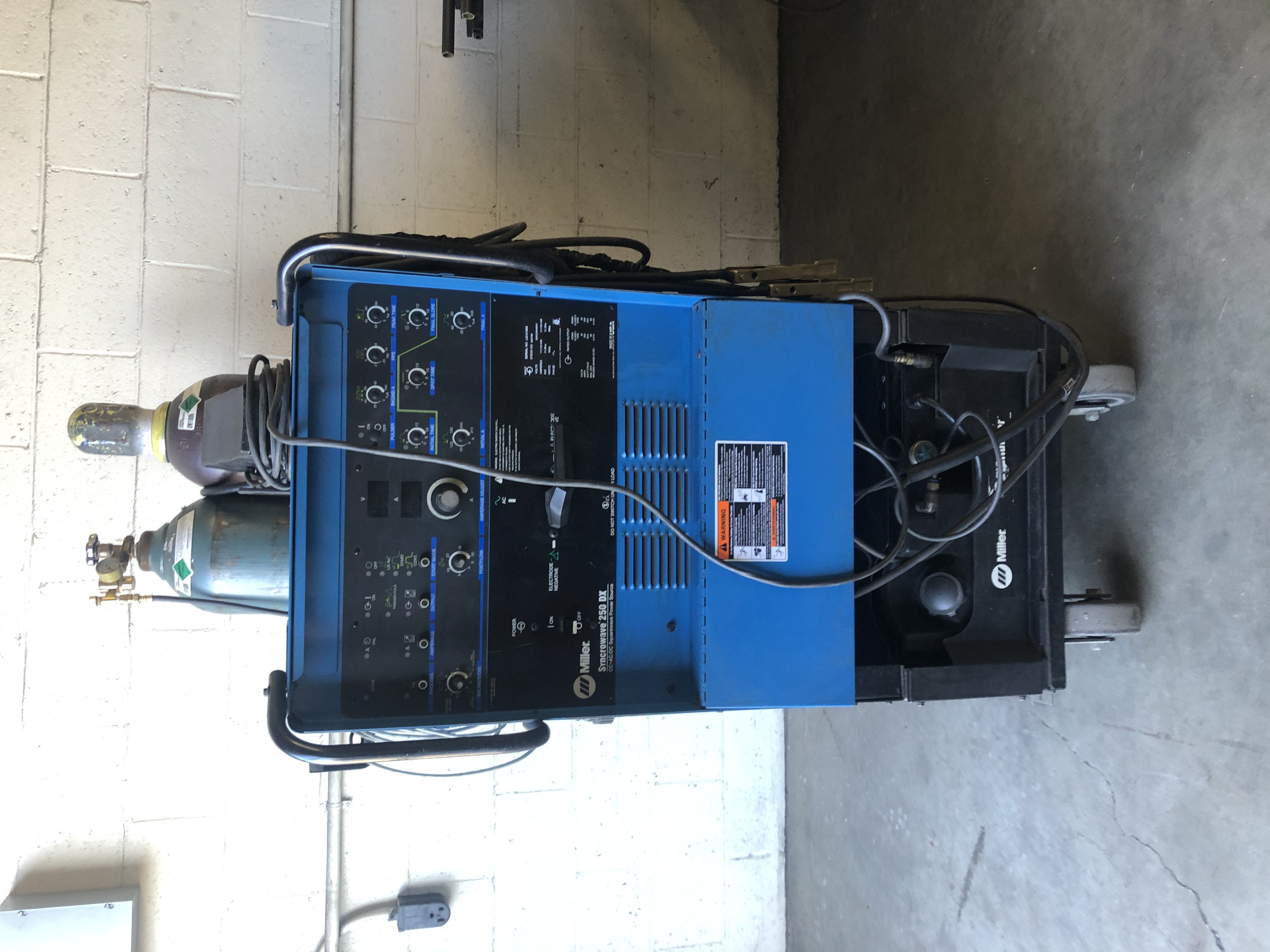 Miller TIG Welder Synchrowave 250DX w/ Long Hose Water Cooled w/ Cart w/ Extra Ground Wire (Tanks Also Available)