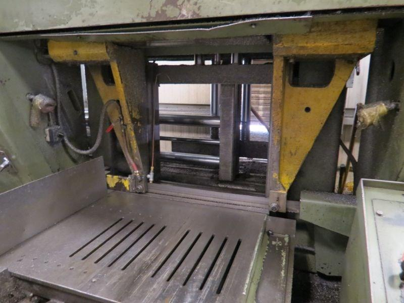 USED HYD-MECH H-26A HORIZONTAL AUTOMATIC BAND SAW, WITH 40' OF POWERED CONVEYOR, YEAR, STOCK# 10