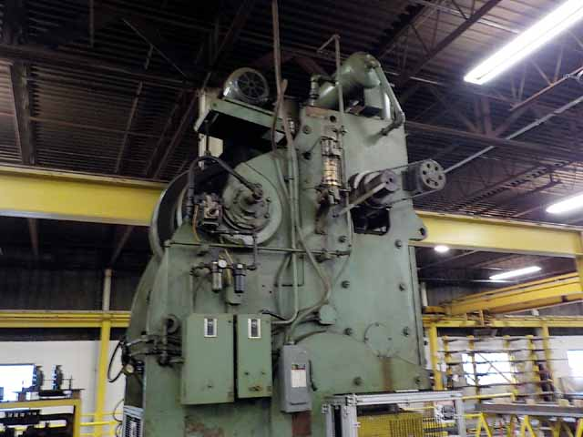 "150 Ton USI Clearing, 3"" Stroke, 18"" SH, 33"" X 49-1/2"" Bed, 36 SPM, In/Sq. Cont., Dual Palms"
