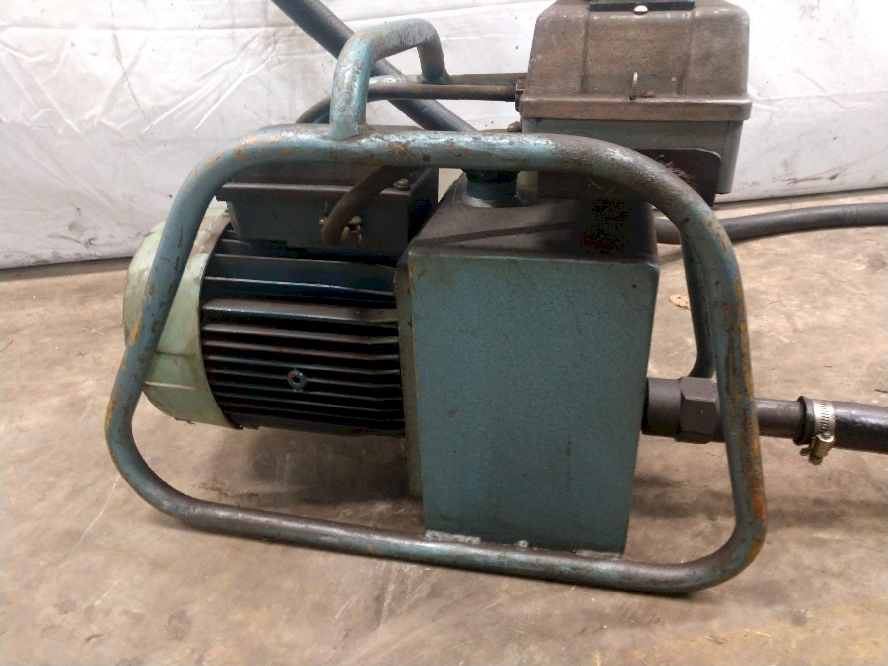 35 TON CLEVELAND PORTABLE HYDRAULIC PUNCH WITH POWER UNIT: STOCK #12521
