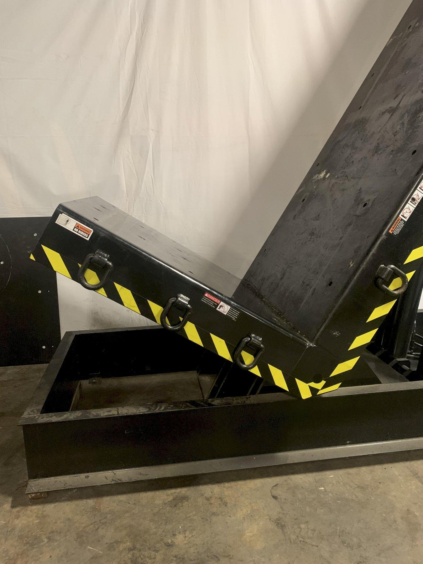 40,000 LBS AUTOQUIP MODEL FF HYDRAULIC TILTING UPENDER: STOCK #12176