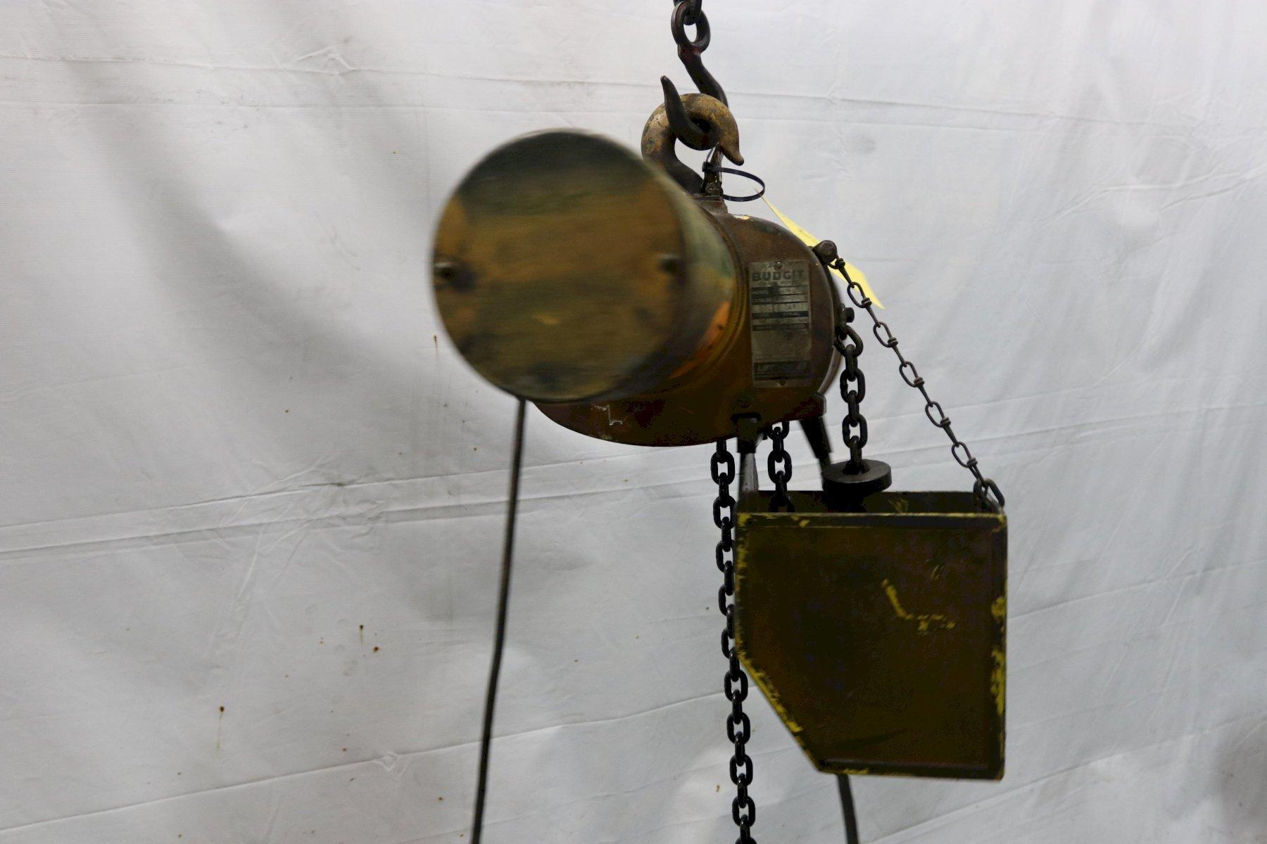 1/2 TON BUDGIT ELECTRIC POWERED CHAIN HOIST: STOCK #12005