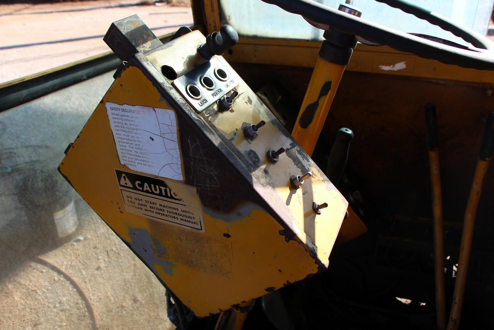 40 TON X 40' DROTT POWERED MOBILE GANTRY CRANE: STOCK #10885