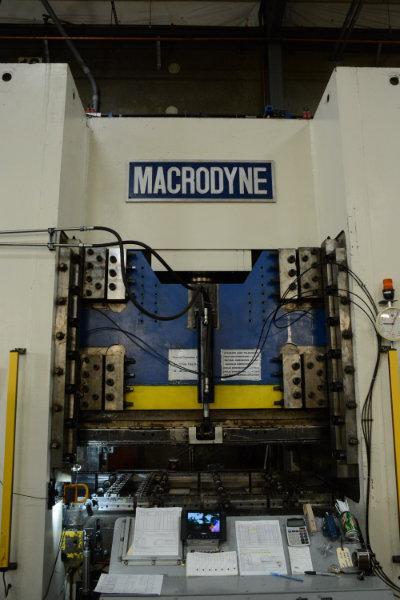 USED MACRODYNE 1,500 TON HYDRAULIC 4 COLUMN PRESS, 2004, STK# 10592