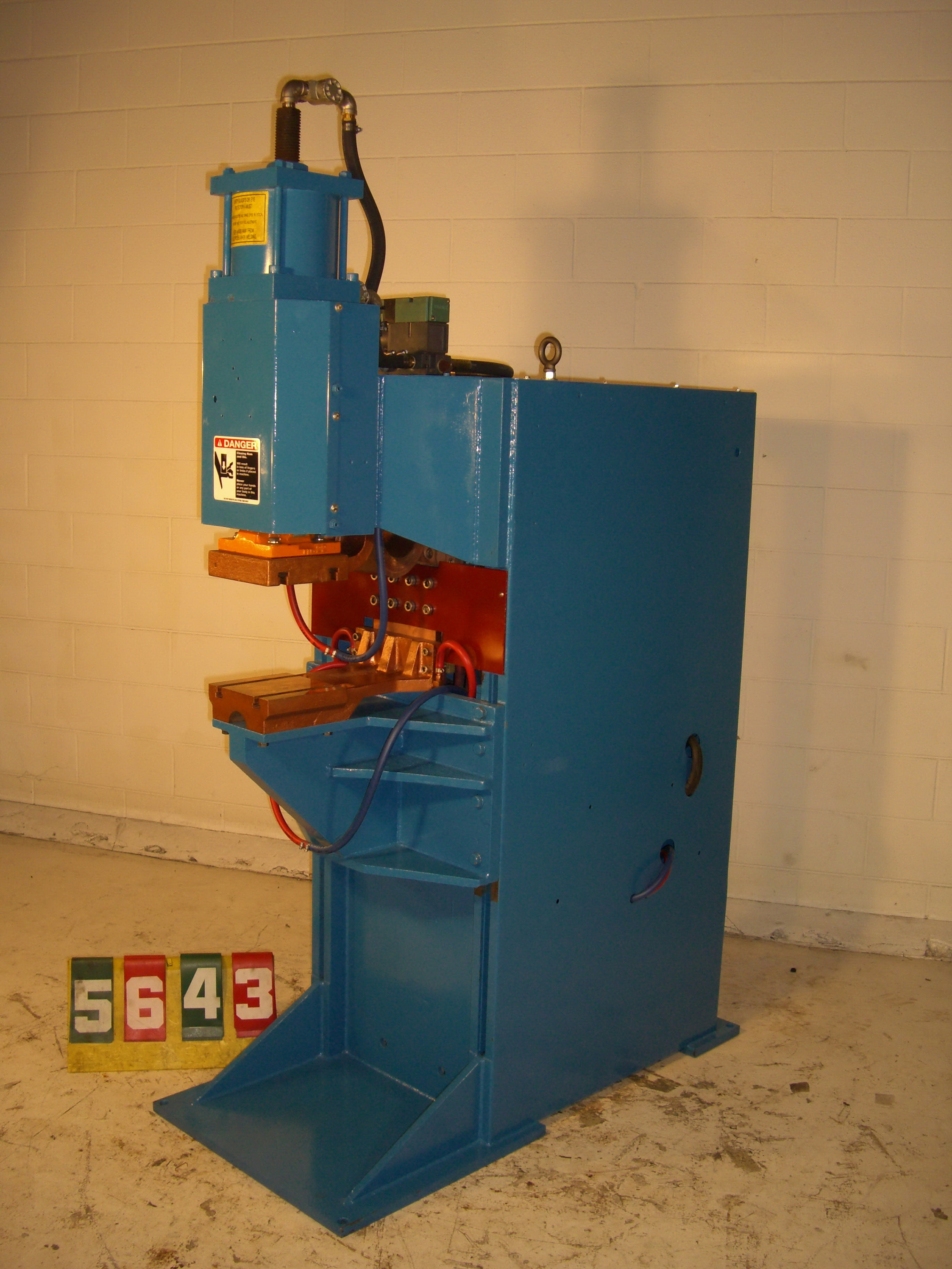 "150 KVA Peer projection welder, 12"" throat, T-slot platens, 440V, single phase AC, #6630"