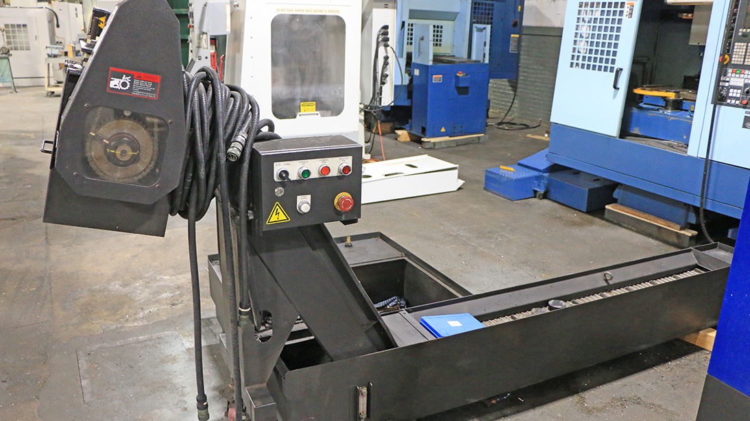 31.5″ x 18.1″ x 20.5″ Hyundai Wia F400 with 4th Axis, Fanuc Oi-MD, CTS, Chip conv, 2013