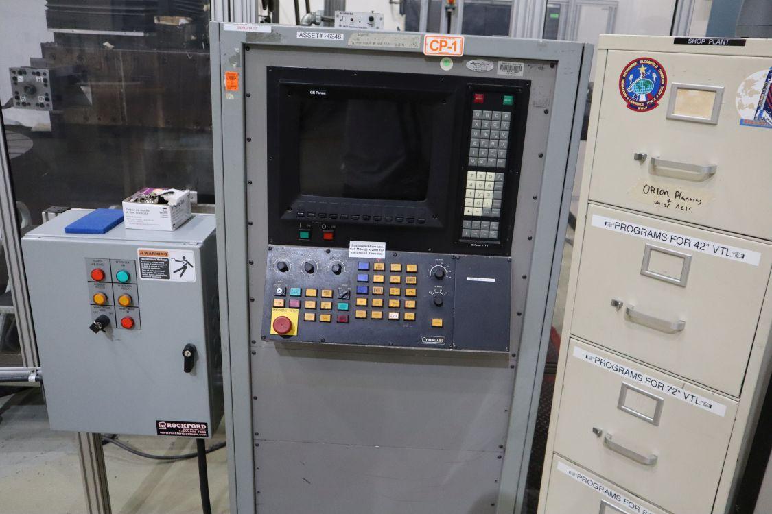 "72"" Giddings & Lewis, Fanuc 11 TT CNC control, 75 HP TH & SH"