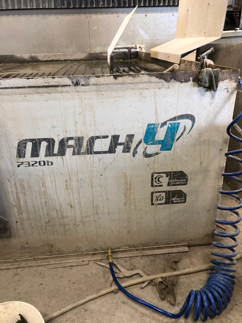 "Flow MACH 4 7320B, 8"" X 24', 100 HP, 87,000 PSI HYPERJET DUAL INTENSIFIER, DYNAMIC XD 5-AXIS HEAD, 300 LB HOPPER, 2011"