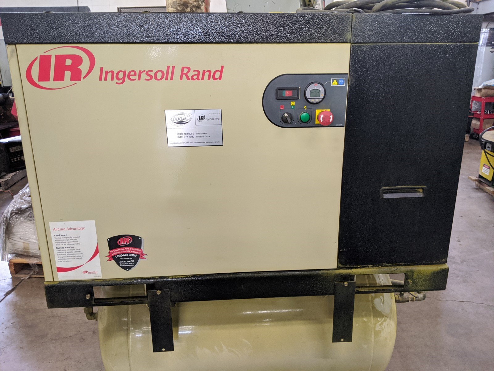 very Nice Complete system, Screw compressor, Tank and dryer, Small foot print, Runs good and quiet